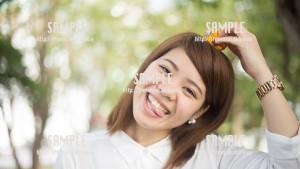 【希望の丘公園】おちゃめな美少女 写真素材