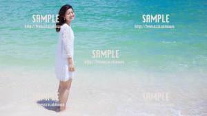 【西原マリンパーク】沖縄の海と美少女 写真素材