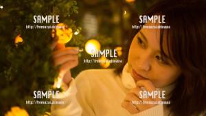 【北谷】クリスマスに彼氏とデートする美少女 写真素材