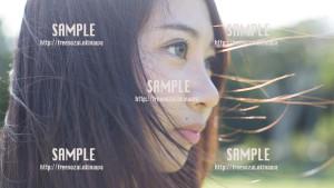 【浦添大公園】爽やかな風と美少女 写真素材