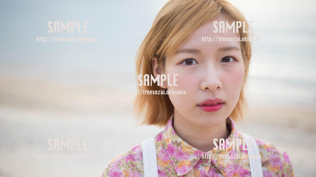 【糸満】見つめる美少女 写真素材