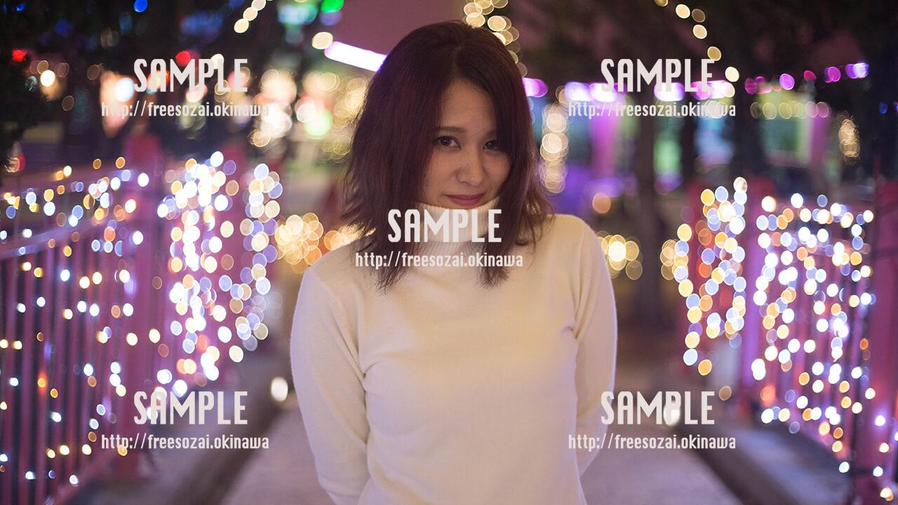 【北谷】イルミネーションと美少女 写真素材