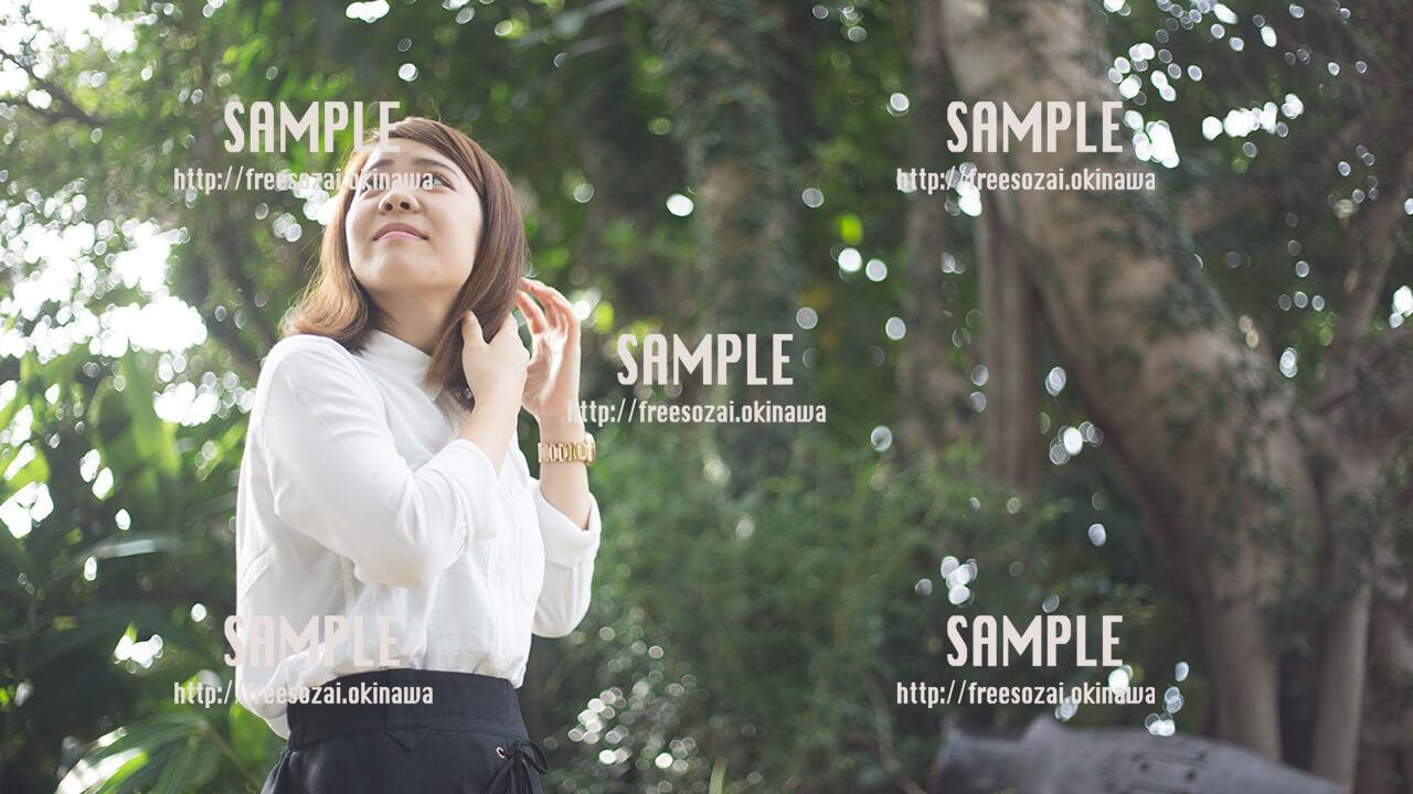 【Cinnamon Cafe】パスタを食べようとしている美少女 写真素材