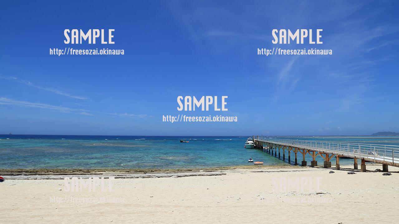 【ナガンヌ島】白い砂浜、綺麗な海、青い空 写真素材