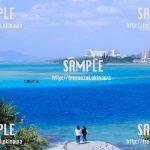 グラデーションの海と水上バイク 写真素材