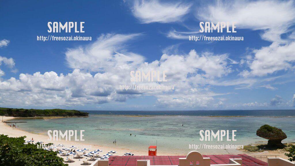 青い空と透き通った海 写真素材